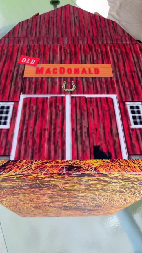 GUYBRARIAN | Old MacDonald's Barn - 7